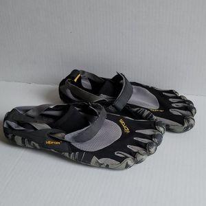 Vibram Fivefingers men's shoes size 10